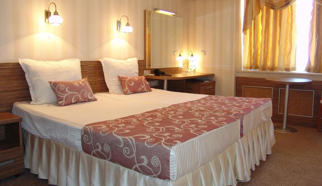 ホテル ヴェレヤ (Hotel Vereya)...