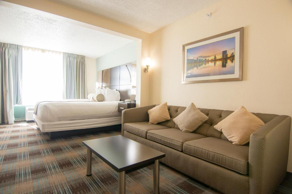 Guestroom Wingate by Wyndham Orlando International Airport