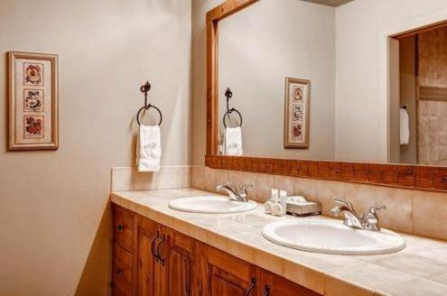 Bathroom Parkview By Wyndham Vacation Rentals