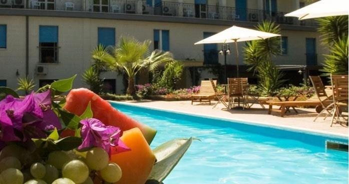 Book Now Hotel Villa Giusy (Castellaneta Marina, Italy). Rooms Available for all budgets. Surrounded by fragrant pine trees Hotel Villa Giusy offers an outdoor pool restaurant and free bike hire. All air-conditioned rooms come with an LCD TV and free Wi-Fi. Castell