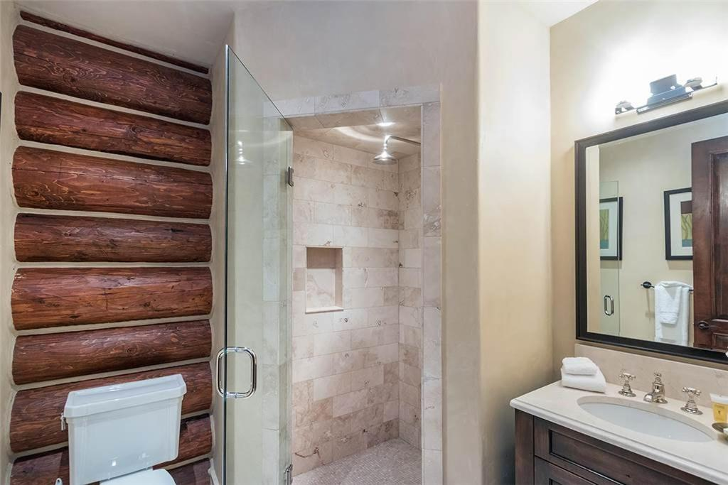 Bathroom Tristant 131