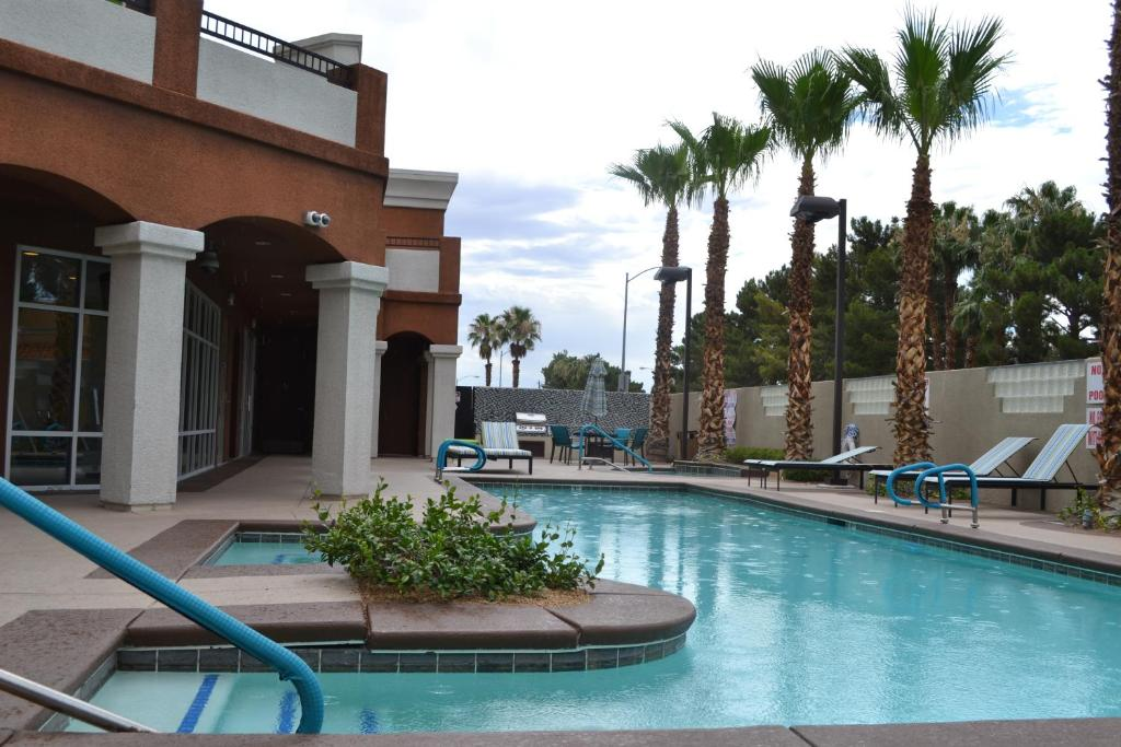 Topaz Luxury Penthouse South Strip/ UNLV