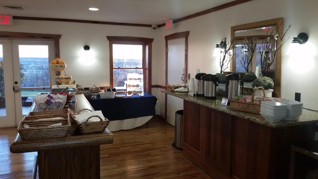 Book Now The Lodges At Gettysburg (Gettysburg, United States). Rooms Available for all budgets. Private self-catering cottages stunning views and hiking trails make for a fun-filled getaway not far from the historic district at the Lodges at Gettysburg. Set on a ridge ov