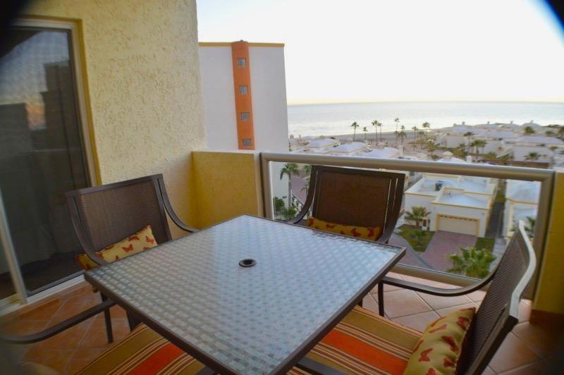 One-Bedroom Apartment D-503B Puerto Penasco Apartment