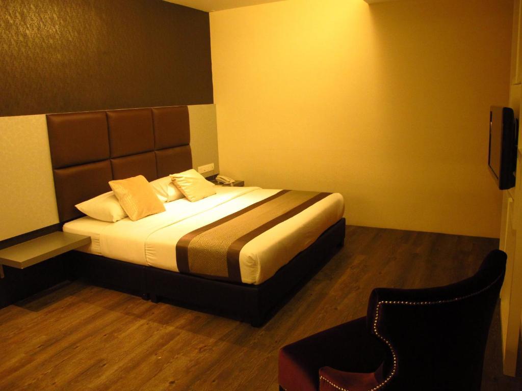 Hotel Austin Paradise - Starting from 118 MYR - Hotel in