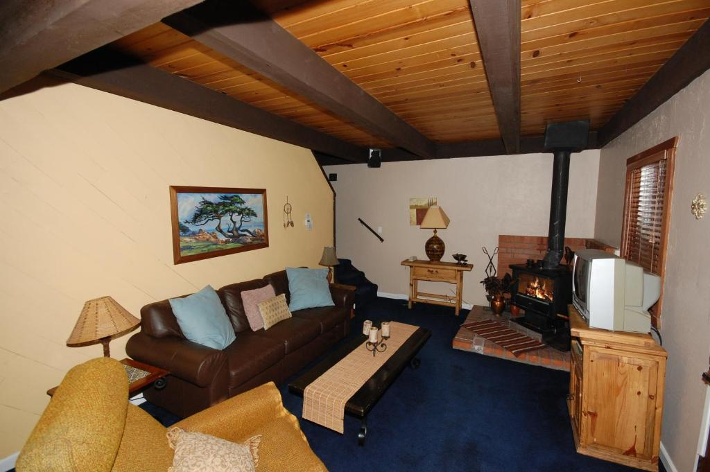 See all 6 photos 3373 Cape Horn Road Holiday Home