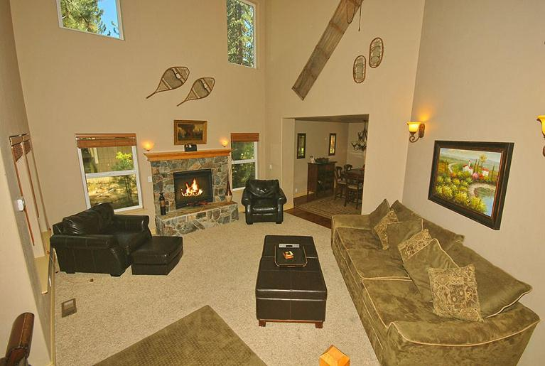 Four-Bedroom House - Separate living room 1314 Angora Lake Road Holiday Home