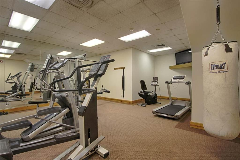 Fitness center Corral #203S