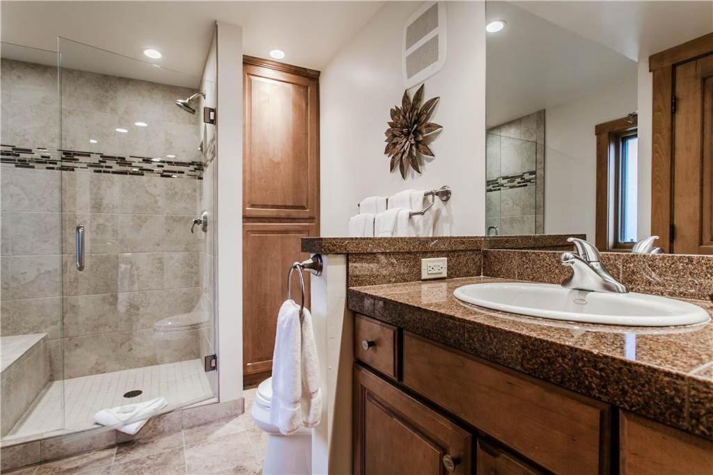 Bagno Snowmass Mountain H-3