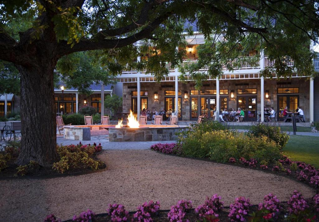 Book Now Hyatt Regency Lost Pines Resort (Cedar Creek, United States). Rooms Available for all budgets. An on-site spa a water park and an 18-hole golf course all on 400 acres make the Hyatt Regency Lost Pines Resort a relaxing getaway for our guests a half-hour from Austin. The