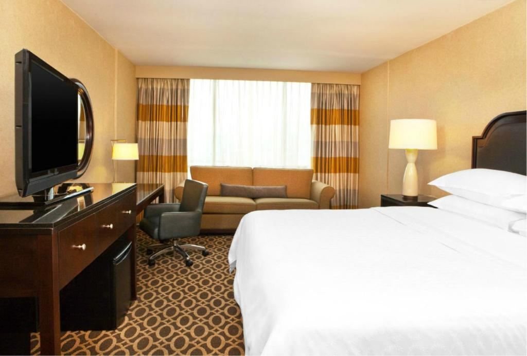 Book Now Sheraton Atlanta Hotel (Atlanta, United States). Rooms Available for all budgets. Cushy beds flat-panel TVs a martini bar and extensive work amenities mean business with pleasure for our guests at the non-smoking eco-friendly downtown Sheraton Atlanta Hotel