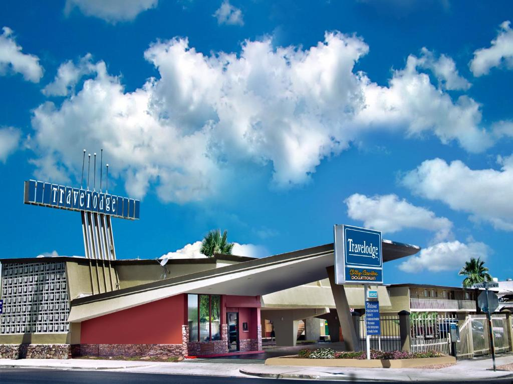 Hotels Near Phoenix International Airport