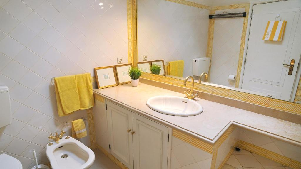 Baño Charming Cascais Downtown Apartment