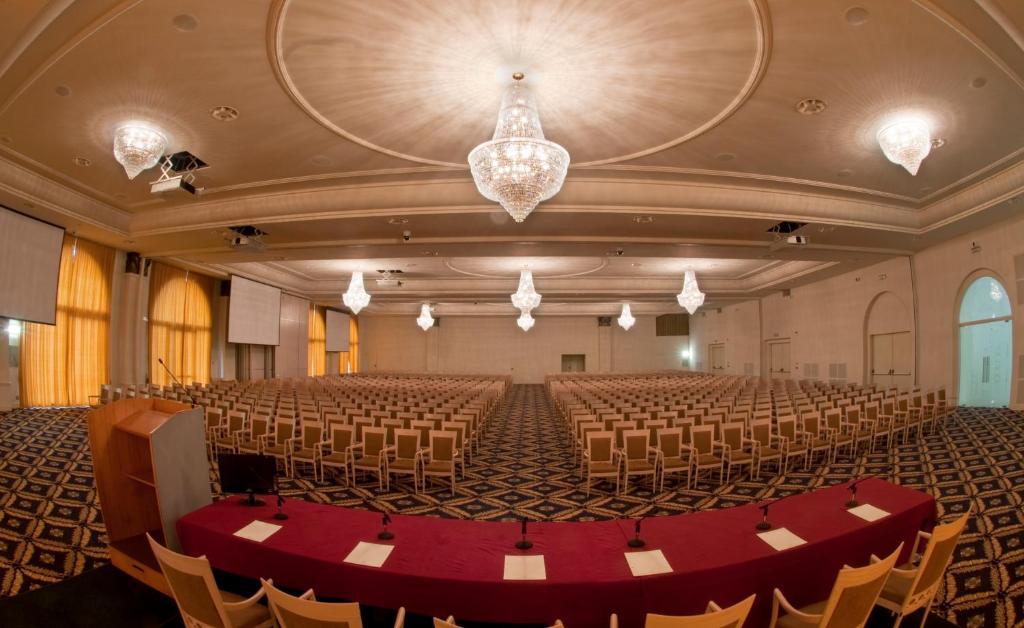 Grand Hotel Italia Starting From 77 Eur Hotel In Cluj Napoca