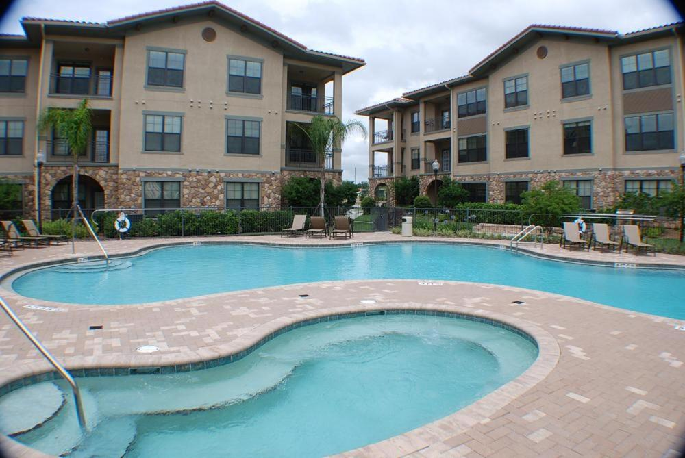 Swimming pool Bella Piazza Resort-Three Bedroom Condo - 907/917 FEM