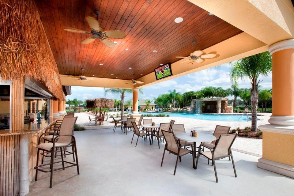 Swimming pool Paradise Palms 4 Bedroom-3076