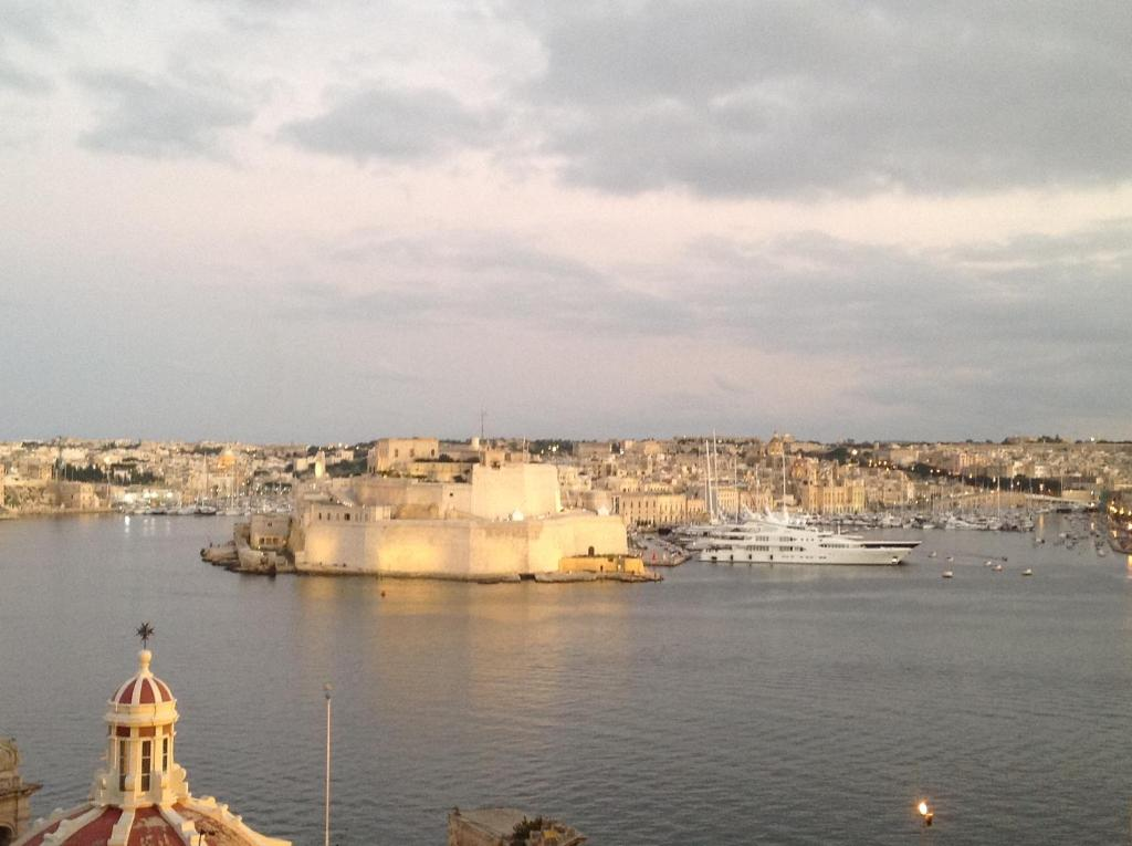 Ver las 6 fotos Valletta Harbour View Apartment