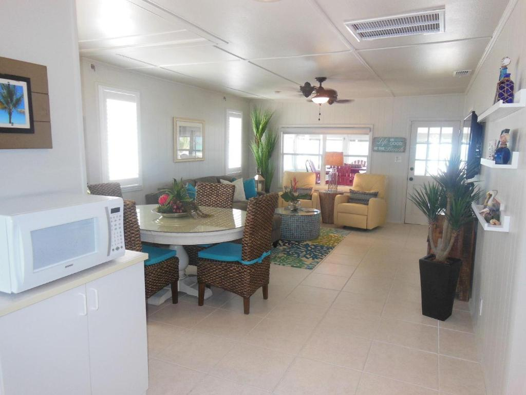 2890 Seaview Holiday Home