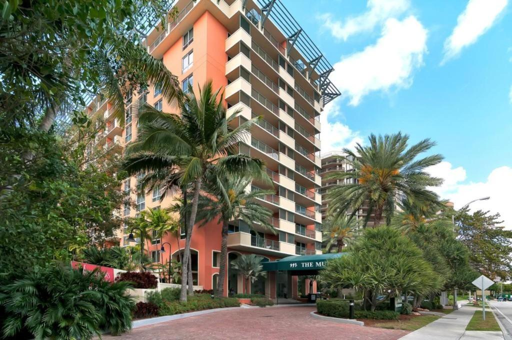 Two-Bedroom Apartment in Miami, Coconut Grove # 909
