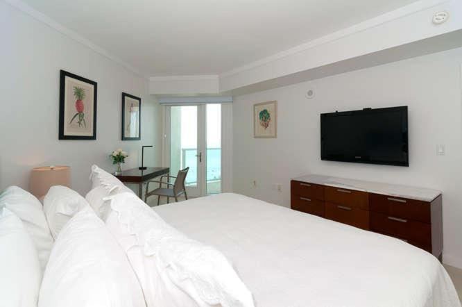 One-Bedroom Apartment in Miami, Coconut Grove # 2104