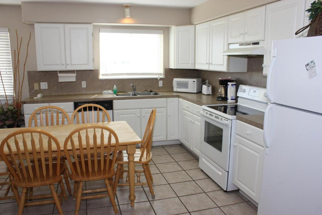 See all 6 photos Beachgate 227 2BR