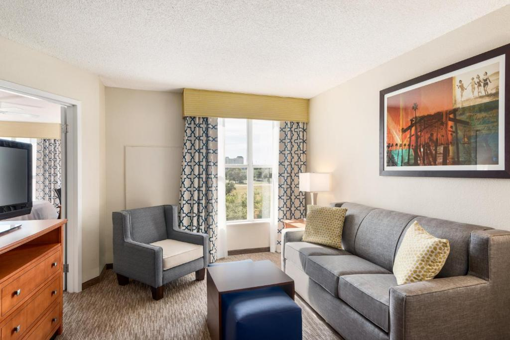 Book Now Homewood Suites By Hilton Orlando-Intl Dr./Conv. Center (Orlando, United States). Rooms Available for all budgets. Spacious suites full kitchens and free hot breakfast add value for our guests at Homewood Suites by Hilton Orlando - International Drive/Convention Center. The 242 two-room su