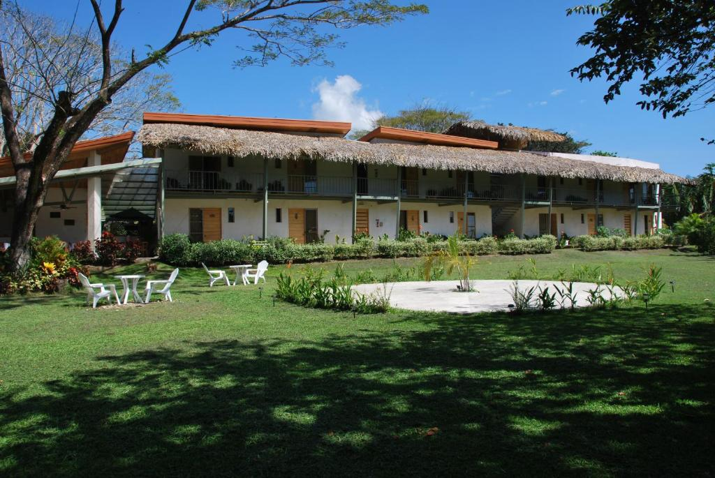 Located 100 Metres From Playa Samara Beach Hotel Sol