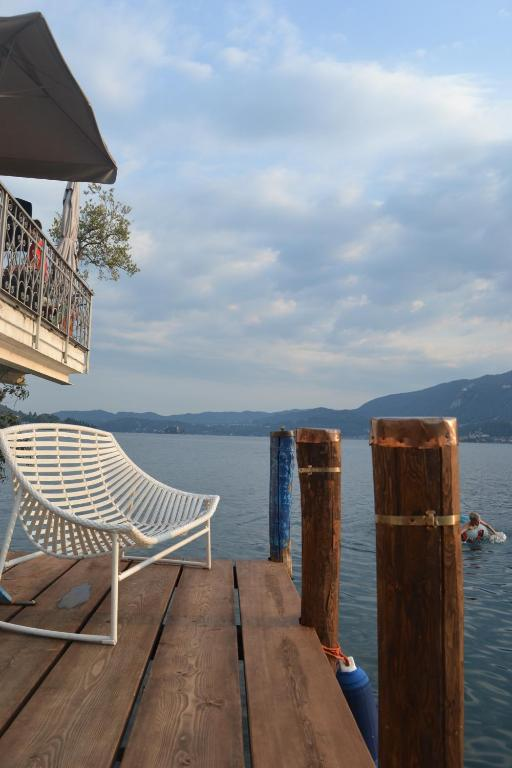 Book Now Giardinetto (Pettenasco, Italy). Rooms Available for all budgets. Hotel Giardinetto is set right on the shore of Lake Orta. It offers free parking a fine restaurant with panoramic terrace and an outdoor swimming pool. Rooms come with free Wi
