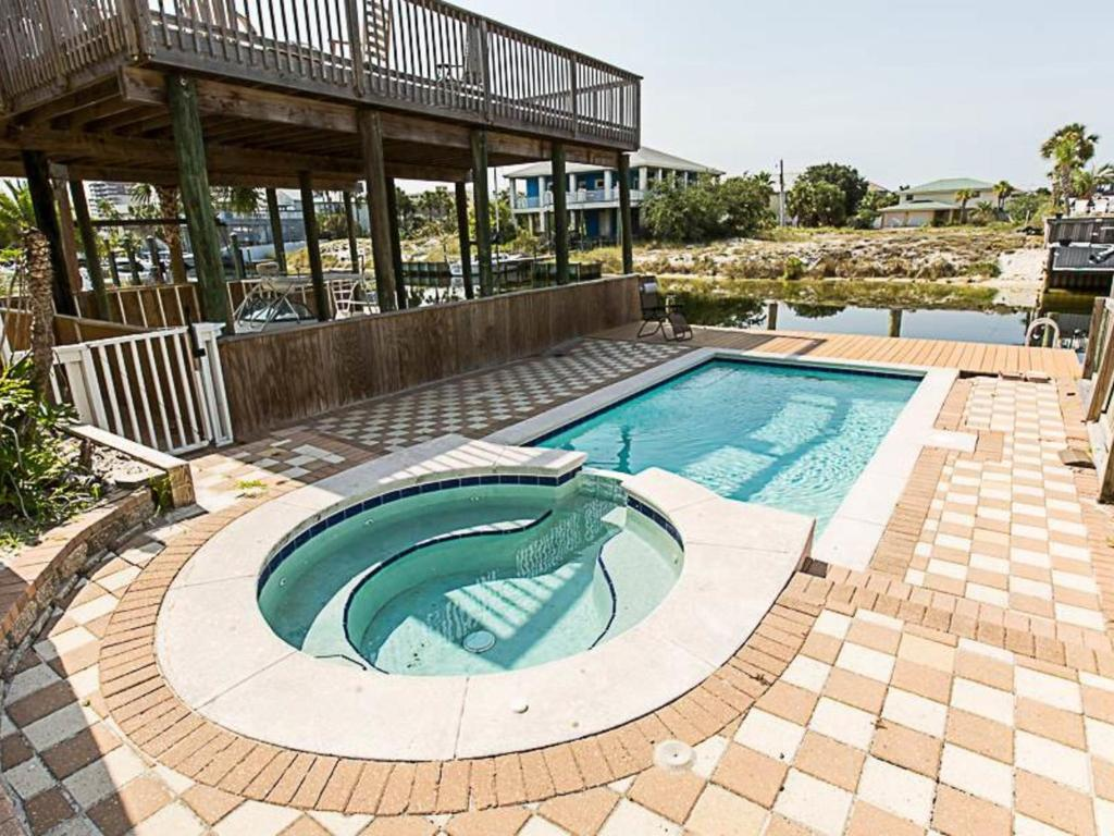 Swimming pool Lagoon Home