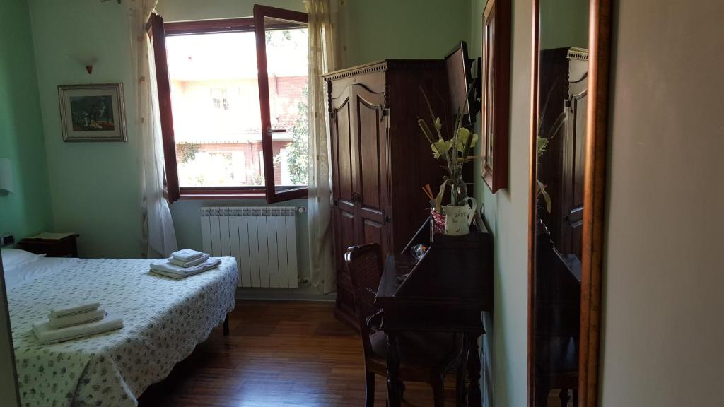 This diana gold guestroom accept