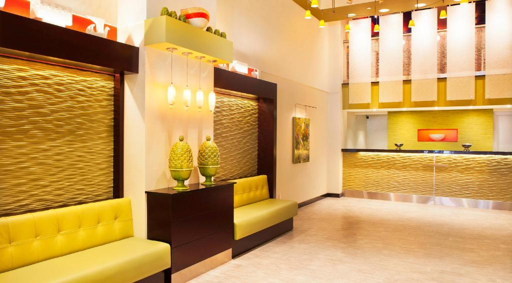 Book Now Nyma The New York Manhattan Hotel (New York City, United States). Rooms Available for all budgets. Featuring a roof terrace this boutique hotel is located within 2 minutes' walk of the Empire State Building in New York. Free WiFi access is available.Each room at Nyma offers