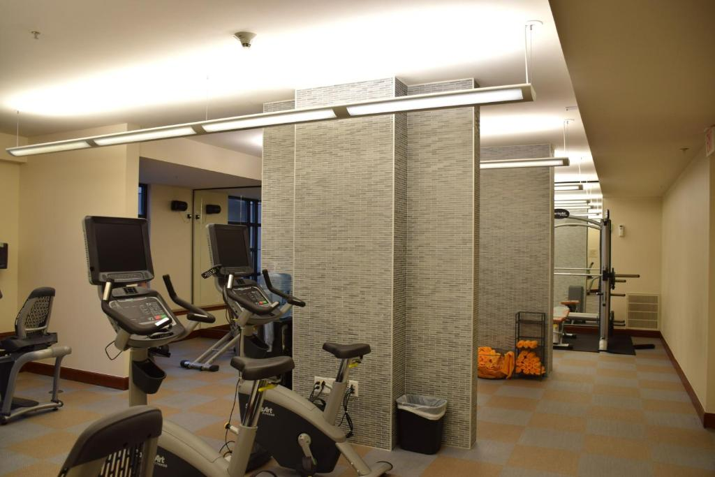 Fitness center Camden Post Oak 0609 Apartment
