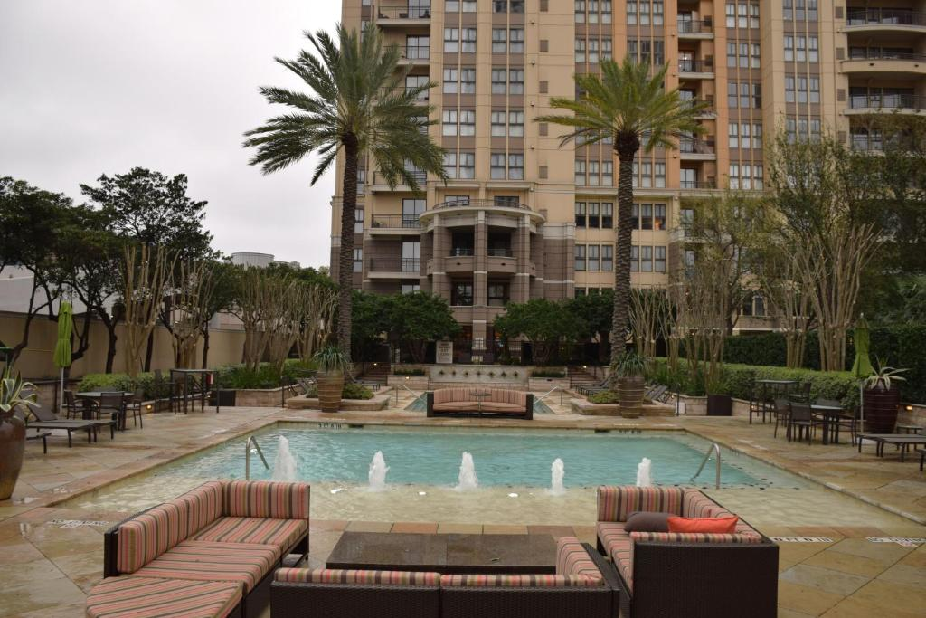 Swimming pool Camden Post Oak 2901 Apartment