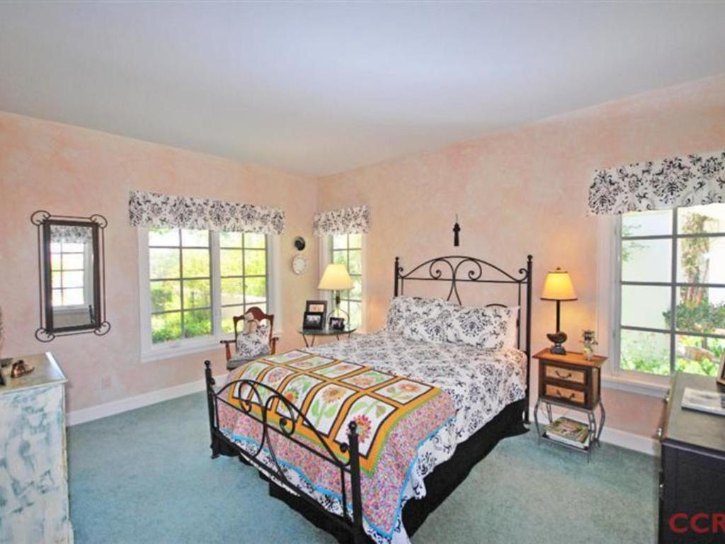 Three-Bedroom House - Guestroom