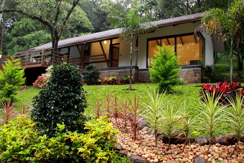 The ibnii spa resort coorg india photos room rates - Resorts in madikeri with swimming pool ...