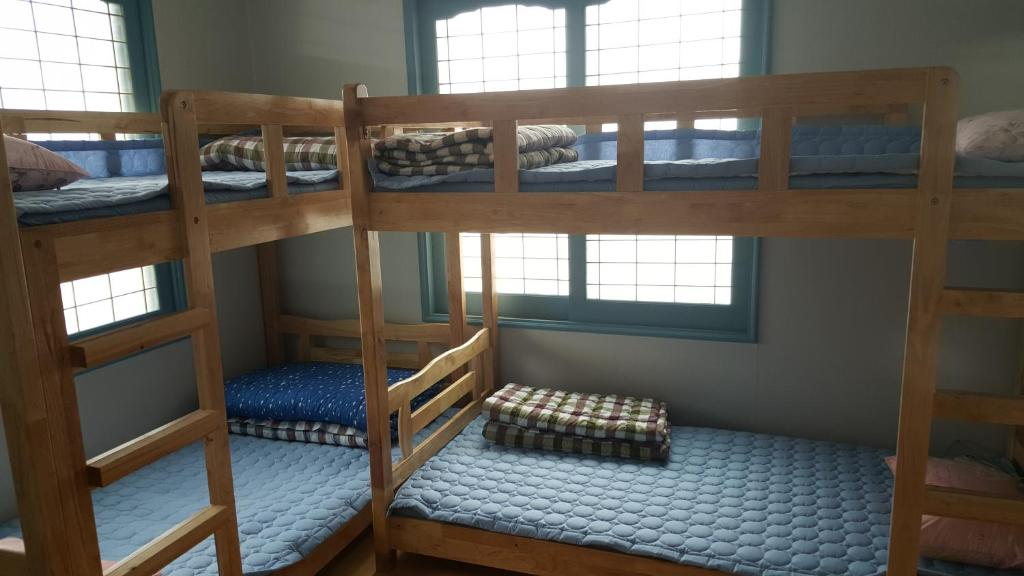Bed in 6-Bed Female Dormitory Room - Bed