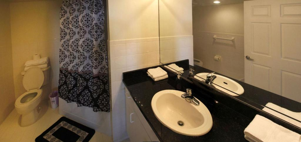 Deluxe Apartment - Bathroom