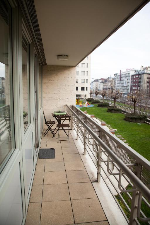 شقة بشرفة - منظر Flat at the Danube with wellness