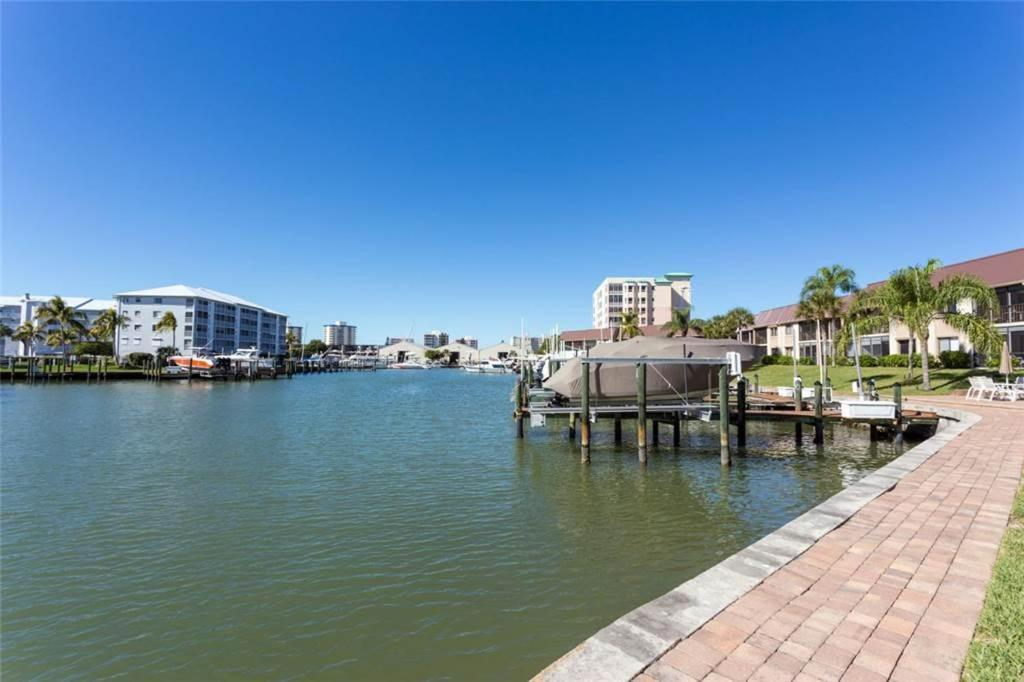 One-Bedroom Apartment - View Estero Yacht & Racquet 228
