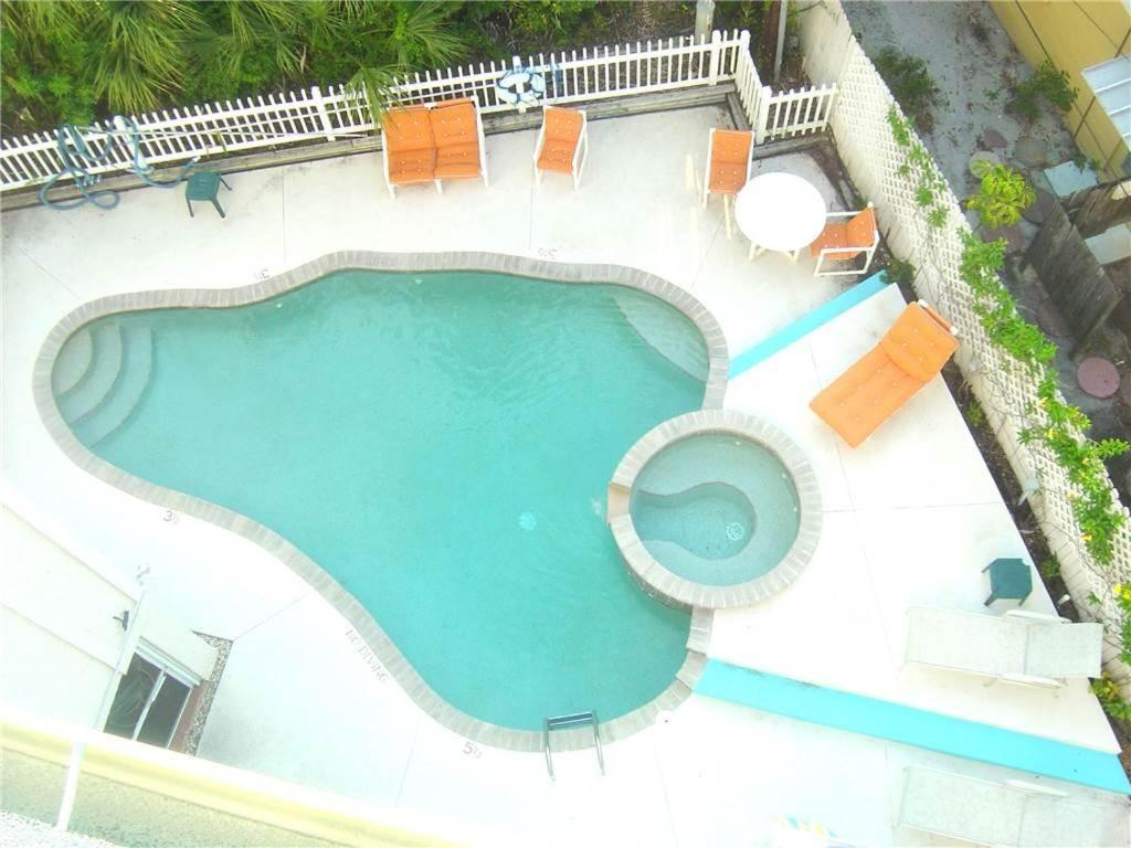 Two-Bedroom Apartment - Swimming pool Sunset Royale 200