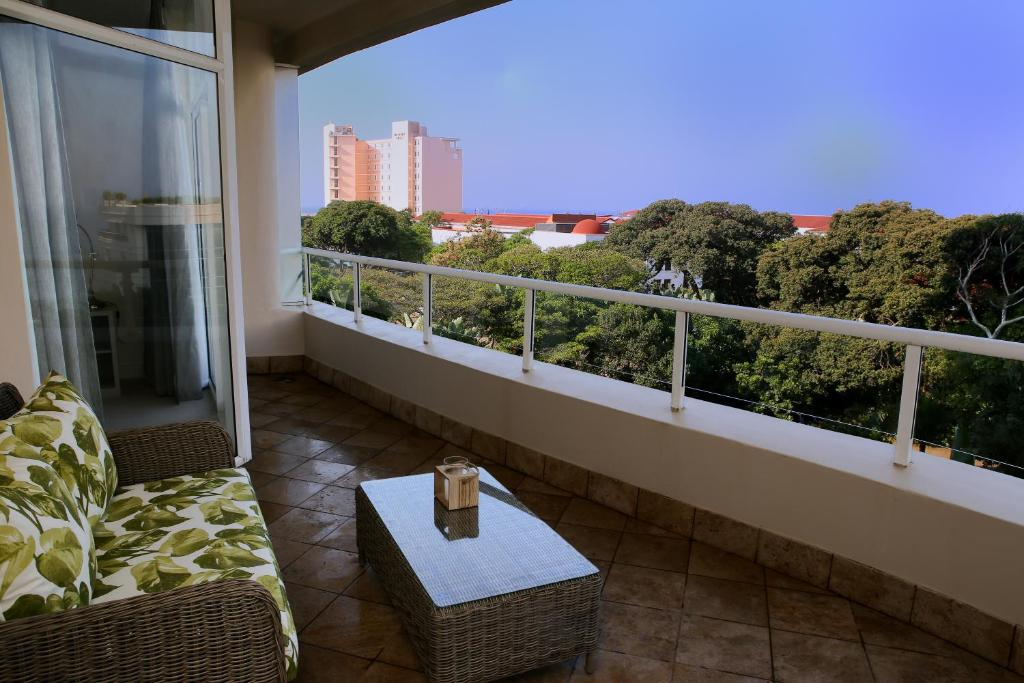 Three Bedroom Apartment With Sea View Balcony Terrace The Oysters Umhlanga