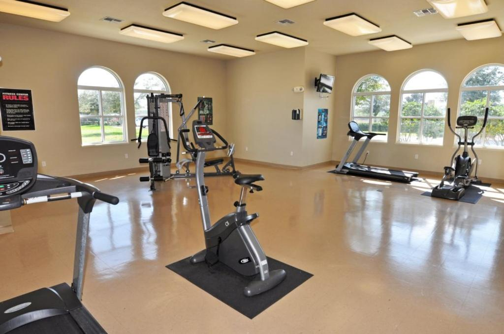 Fitness center The Shires at Westhaven 957