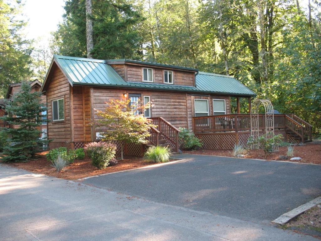 Mount Hood Village Deluxe Cottage 21