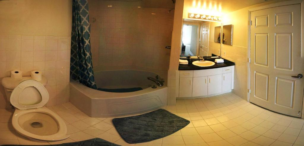 Bathroom Apartment Miami Beach