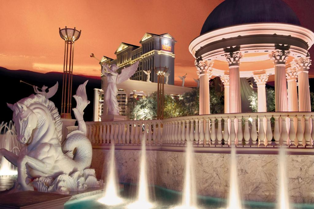 Казино Золотий палац Казино часовий пояс