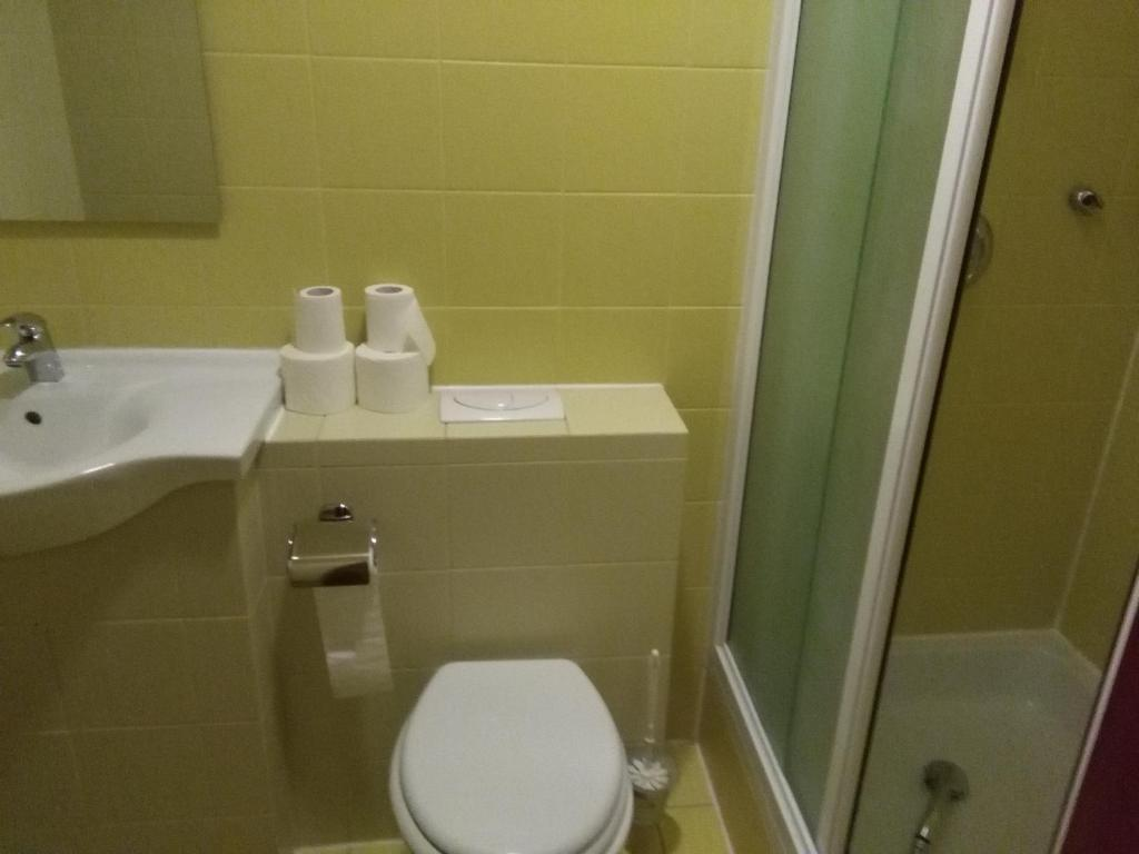 Twin Room with Private Bathroom HI Hostel Rijeka