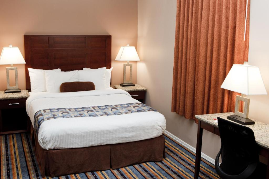Book Now Ramada Vancouver Downtown (Vancouver, Canada). Rooms Available for all budgets. Internet access is one of the money savers for our guests at the non-smoking Ramada Vancouver Downtown which also features a central location and an on-site restaurant and bar