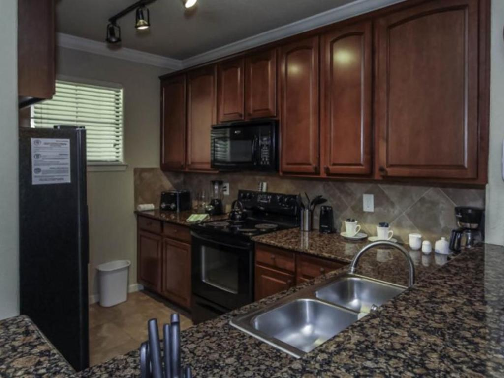 Charo Parkway Apartment 906 #411