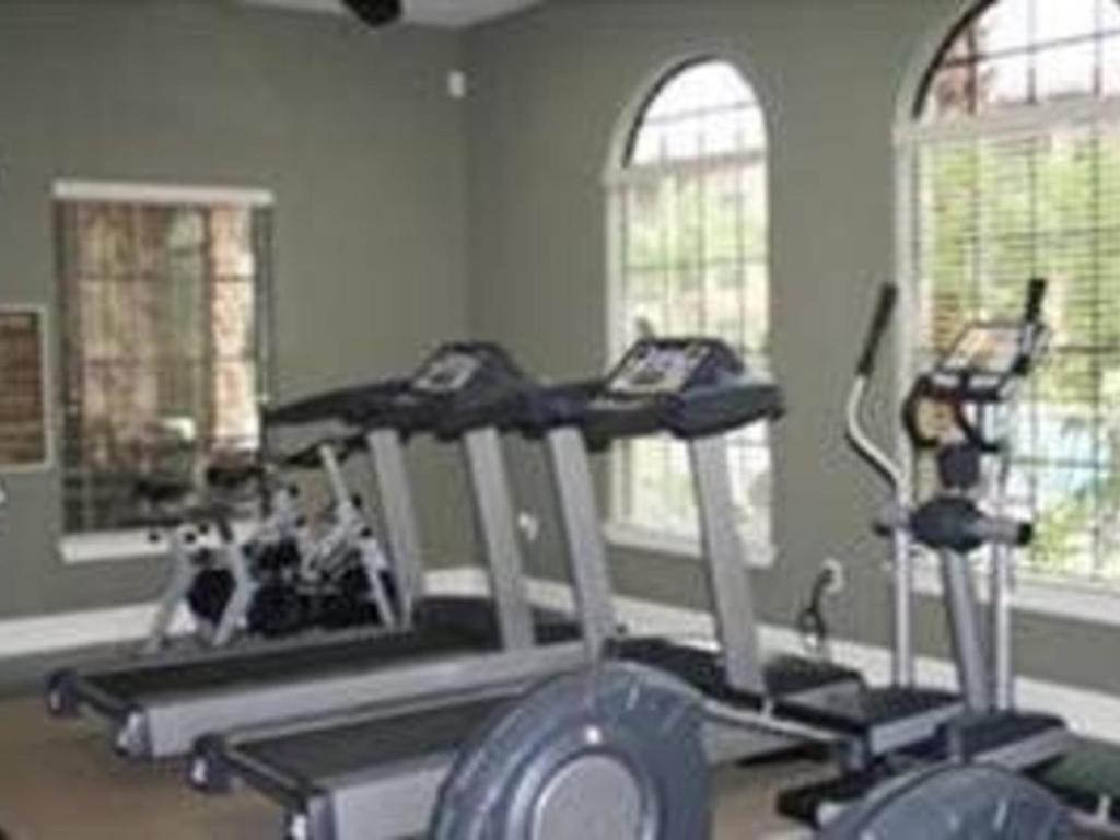 Fitness center Charo Parkway Apartment 906 #411