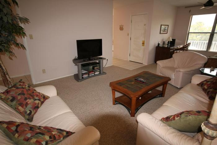 See all 6 photos Estero Boulevard Apartment 4025
